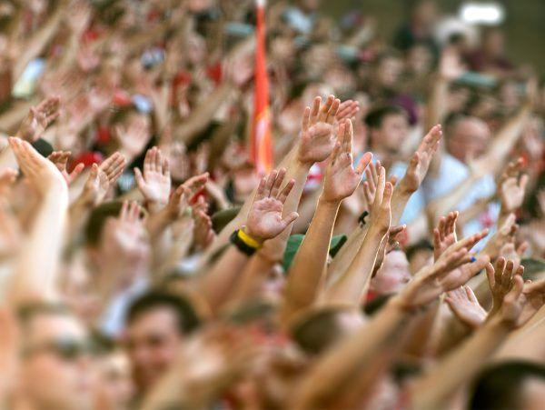 football fans national anthem kneeling