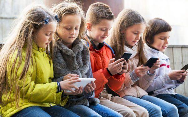 Children-on-Phones