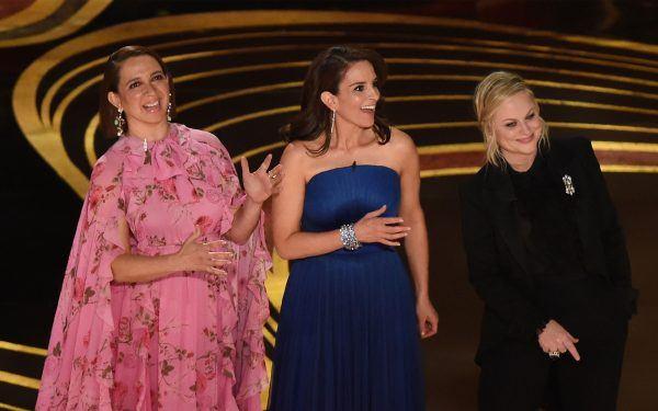 Comedians Maya Rudolf (L), Amy Poehler (R) and Tina Frey